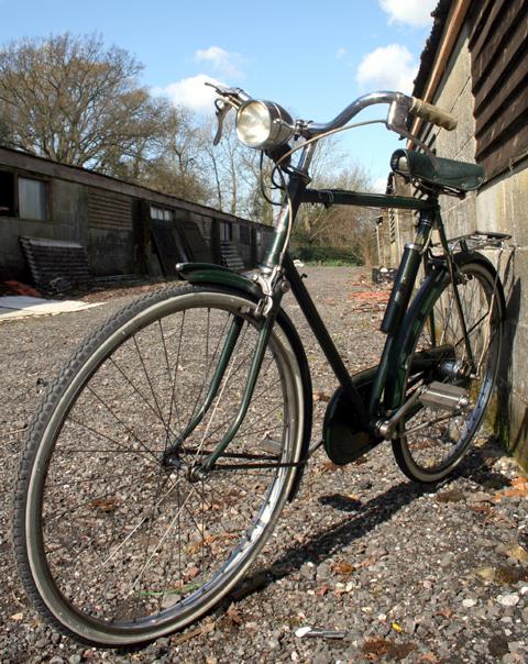 1950's Raleigh Superbe | www.Oldbike.eu